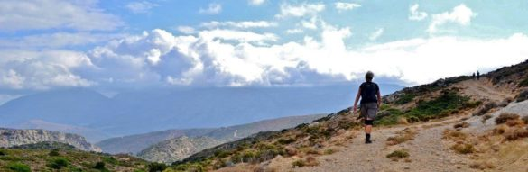 vandrare vandra vandring hikers hiking hike walk walking walkers berg mountain crete kreta