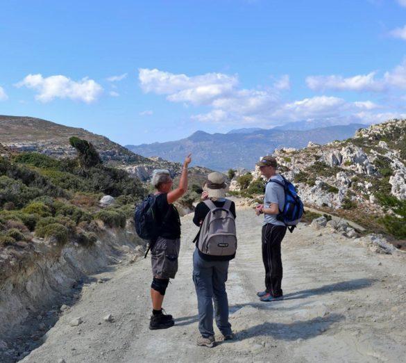 vandrare vandra vandring hikers hiking hike walk walking walkers berg mountain crete kreta